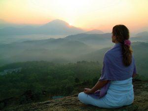 ist2_981376_sun_rising_meditation